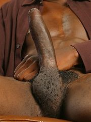 Ebony guy shows huge dick