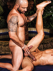 Drae Axtell Takes A Raw Fucking From Pedro Andreas