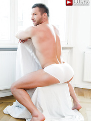Leo Alexander's Debut Versatile Fuck With Tomas Brand